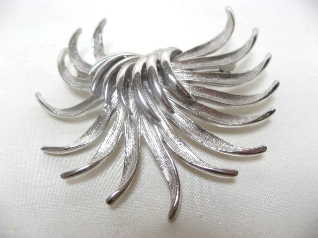 画像1: シルバーメタル植物のブローチ(ヴィンテージ)