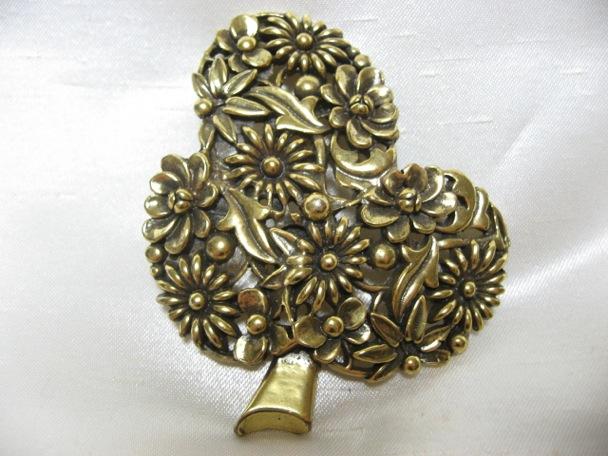 画像1: Botticelli木の中がお花のブローチ(ヴィンテージ)